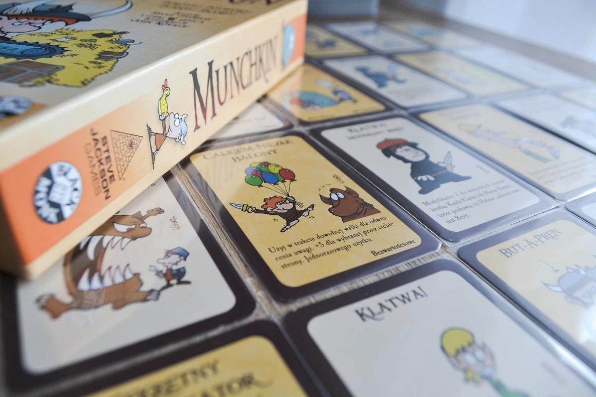 Munchkin pudełko na kartach